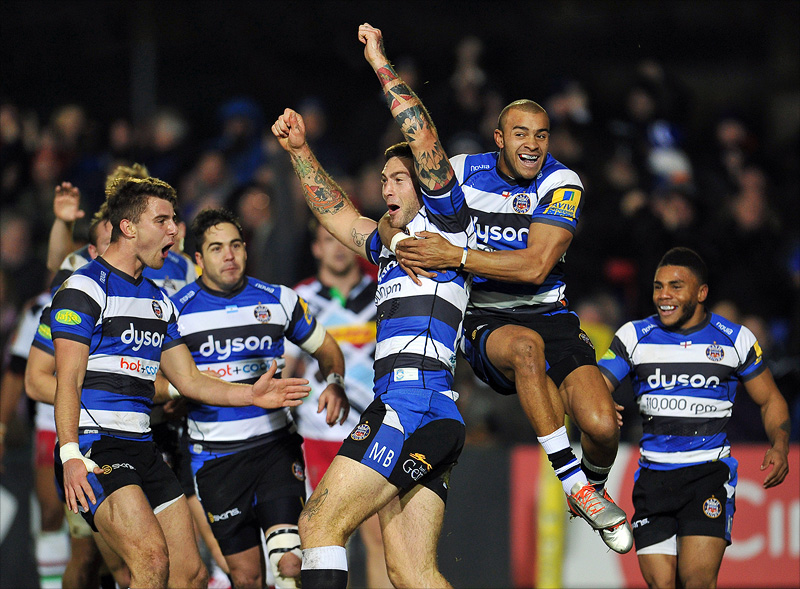 Matt Banahan celebrates his try