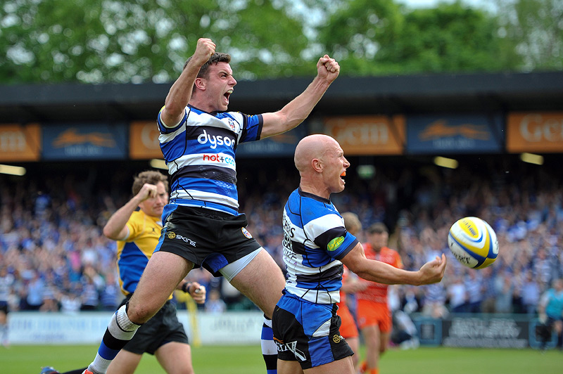 George Ford and Peter Stringer celebrate
